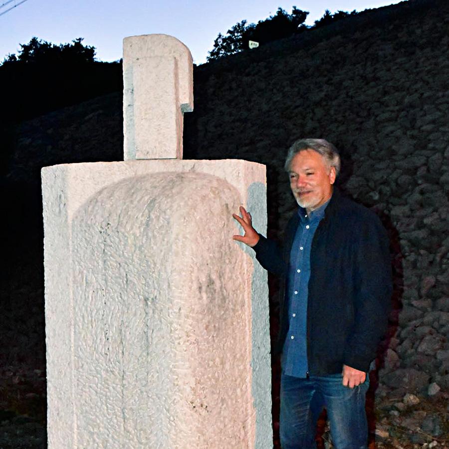 Postavljanje skulpture Kopa Želimira Hladnika u prostor, Forma Viva Sveti Kuzam